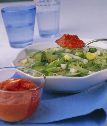 Gemüsesuppe mit Pistou