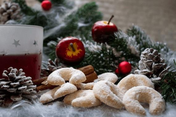 Weihnachtsmarkt mit Vanillekipferl